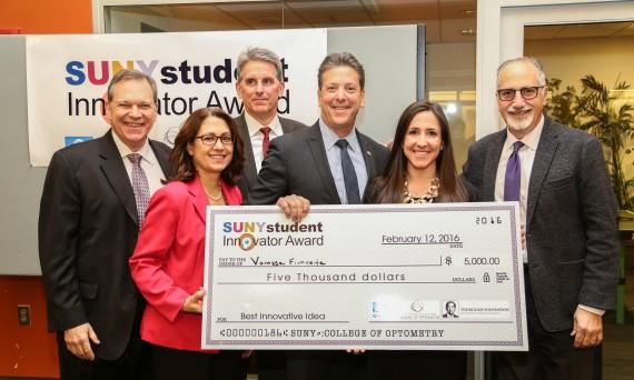 Vanessa Fimreite receiving SUNY inventor award